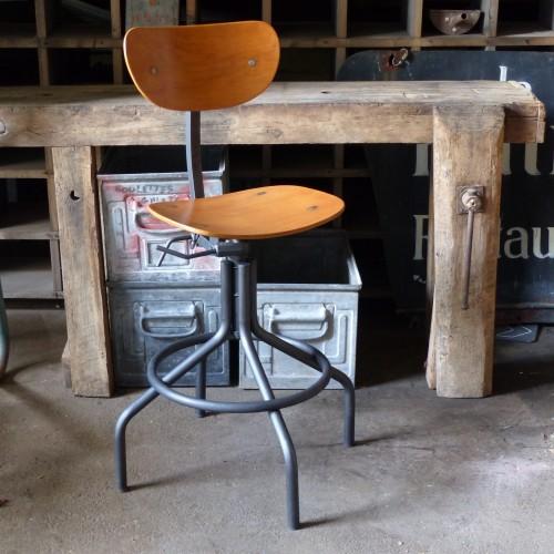 lignedebrocante-chaise-atelier-industriel-bois-metal-2015-257-AP-1-min_1__mathildeetguillaume.com