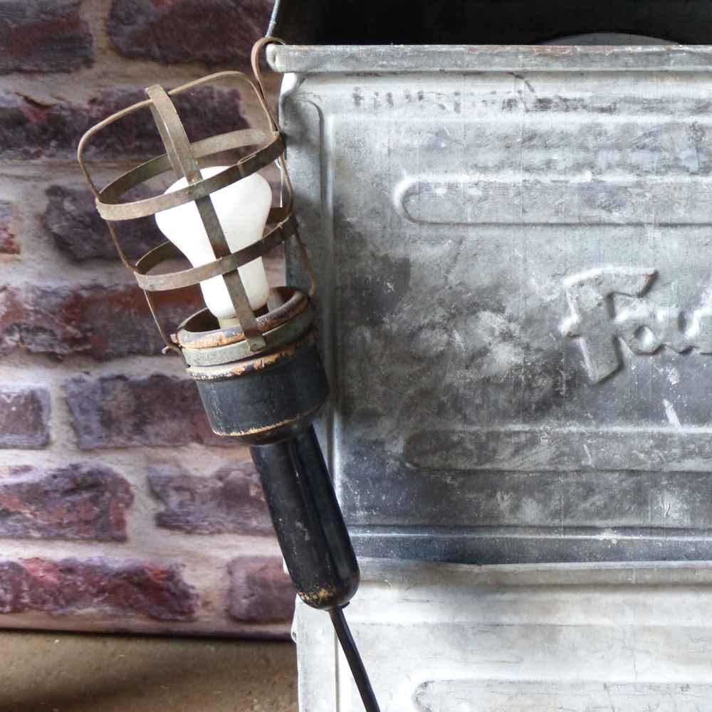 lignedebrocante-lampe-baladeuse-cage-2015-589-AP-1-mathildeetguillaume.com