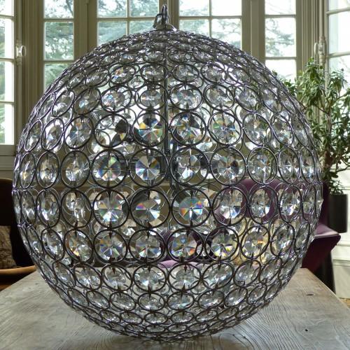 lignedebrocante-suspension-boule-dome-deco-cristal-2016-36-DV-1-min_mathildeetguillaume.com